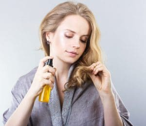 how to moisturize scalp without making hair greasy